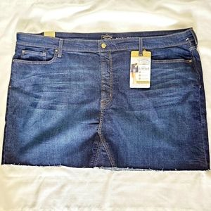 NWT Levi denim mini skirt raw hem stretch